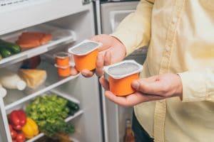 Kühlschrank mit Dosen